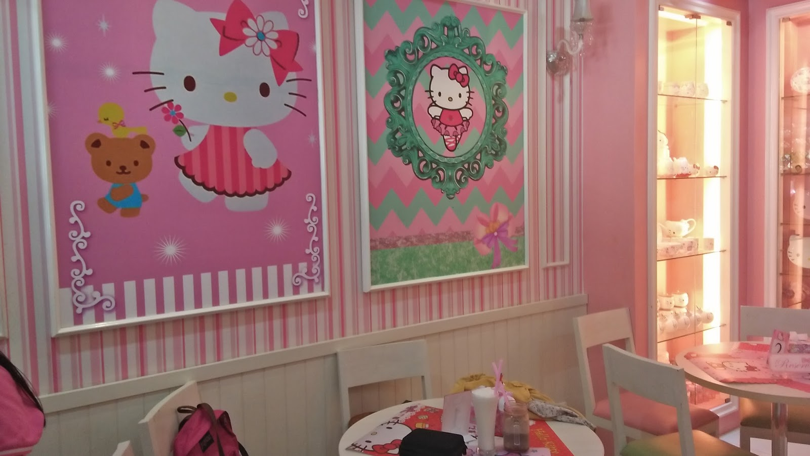 Serba Hello Kitty Miss Pink Kitty Cafe And Shop Semarang Warna Warni Hidup