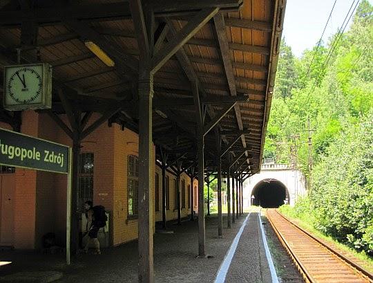 """Stacja kolejowa """"Długopole Zdrój""""."""