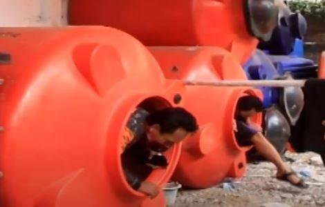 Relawan Pengantar Jenazah di Kudus Isolasi Mandiri dalam Tangki Air Takut Tularkan Covid-19