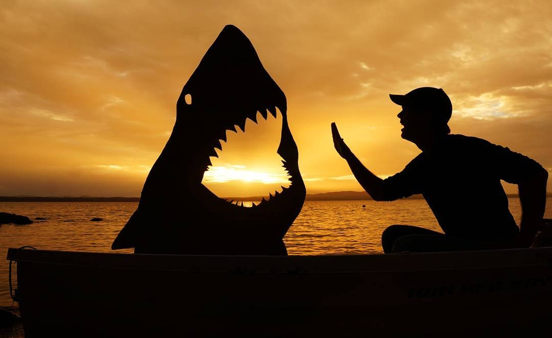 07-Jaws-Great-White-Shark-John-Marshall-Sunset-Selfie-Photographs-with-Cardboard-Cutouts-www-designstack-co