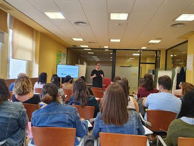 Miguel Anguel impartiendo el seminario