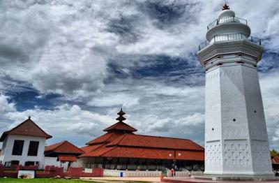 Masjid Agung Baten
