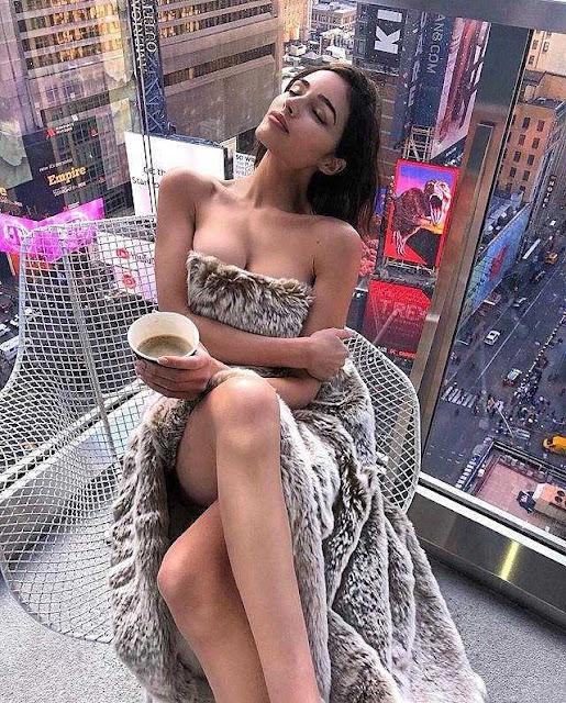 """Hoa hậu chân ngắn Olivia Culpo """"lột xác"""" thành người mẫu bốc lửa"""