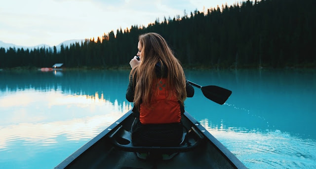 Image: Canoeing Girl, by Free-Photos on Pixabay
