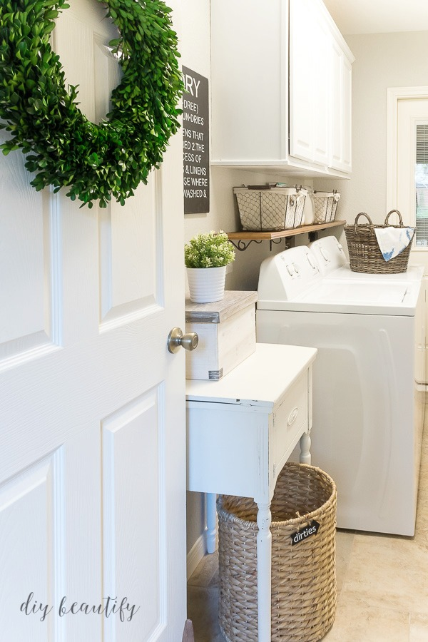 farmhouse laundry room for under $100