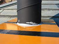 煙突上部の雨水防止