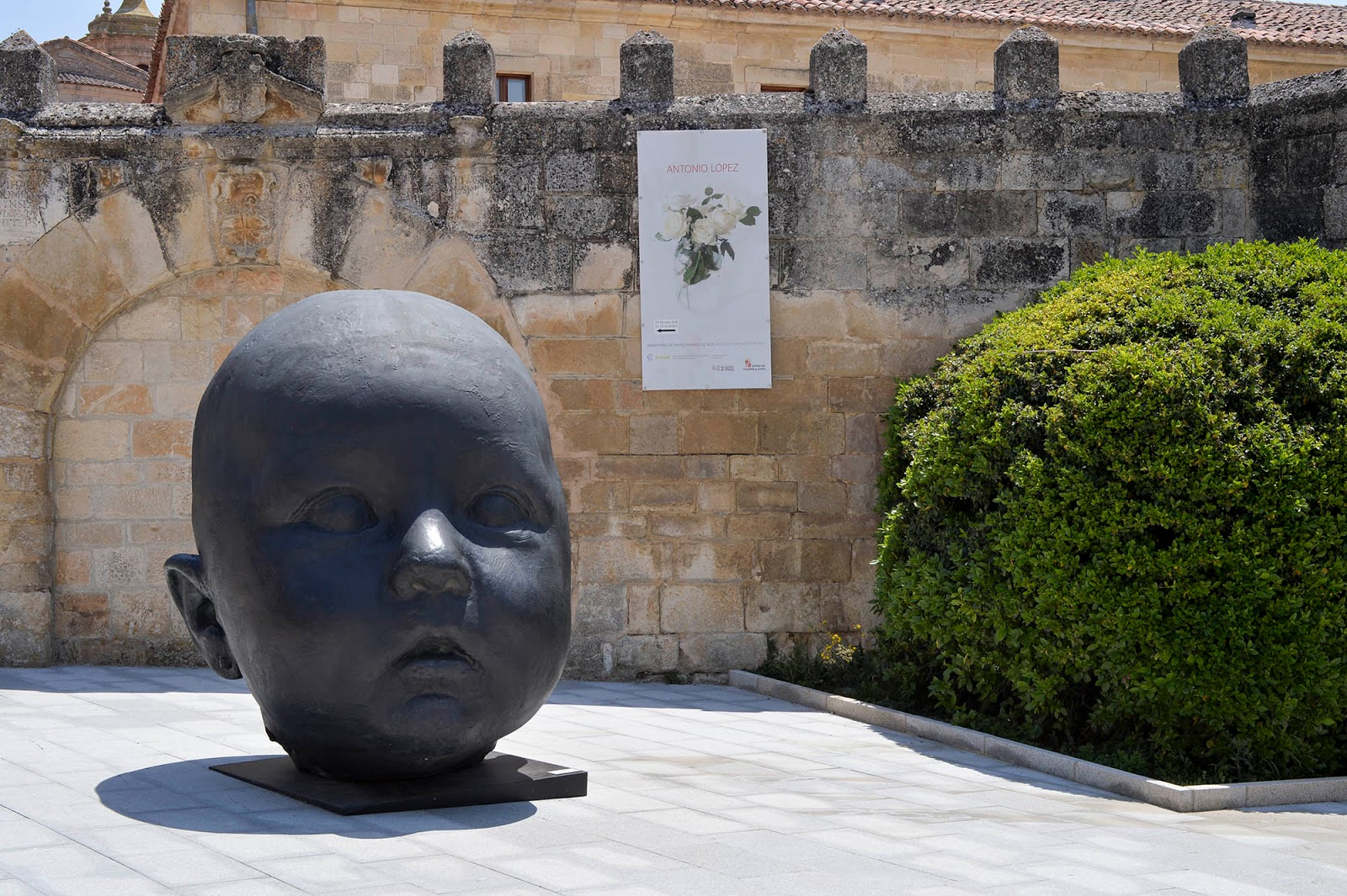 santo domingo silos antonio lopez escultura niño bebe burgos