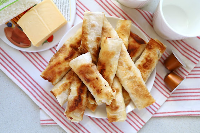 Pita rolls with cottage cheese and cheese