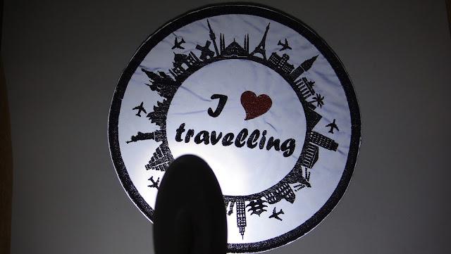 Светоотражающая нашивка на чемодан - световозвращающая эмблема. Рисунок на усмотрение заказчика, ручная работа. Доставка почтой или курьером
