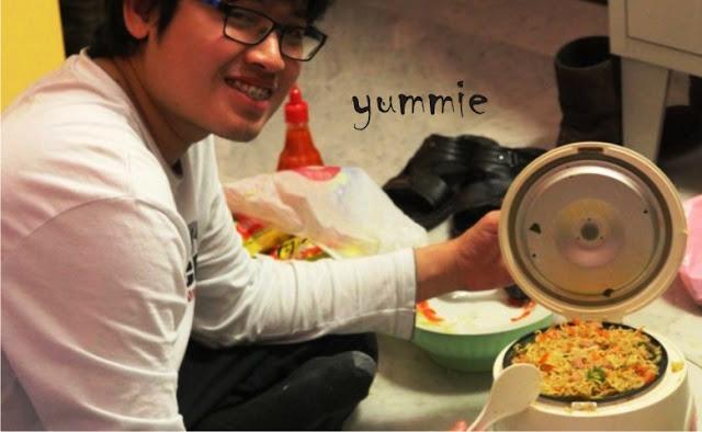 Cara Membuat Nasi di Magic Com Bertahan Lama dan Tidak Basi