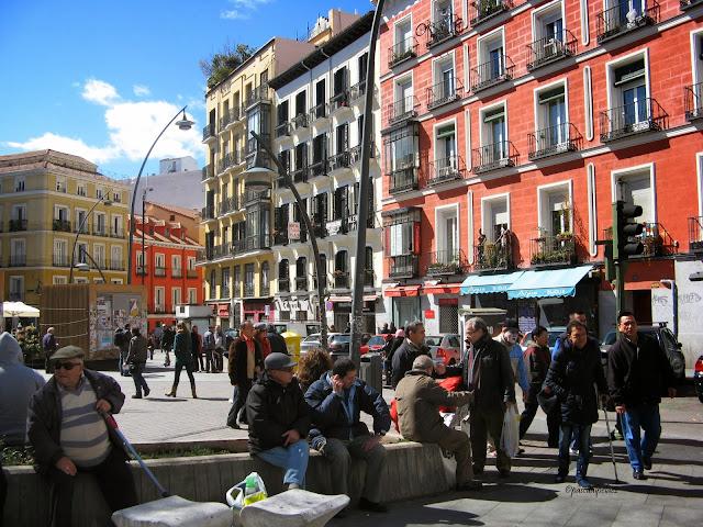 Rincones ibericos madrid plaza de tirso de molina for Casa granada tirso de molina