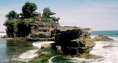 6 Destinasi wisata terkenal di pulau bali
