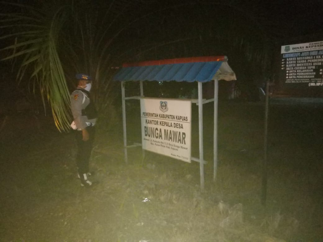 Polsek Pulau Petak Intensifkan Patroli Malam Sembari Imbau Antisipasi Covid-19