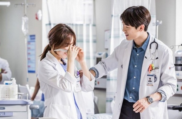 Drama Korea Romantis romantic doctor teacher kim