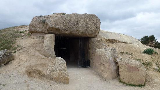 Dolmenes Antequera ¿Qué es un dolmen?