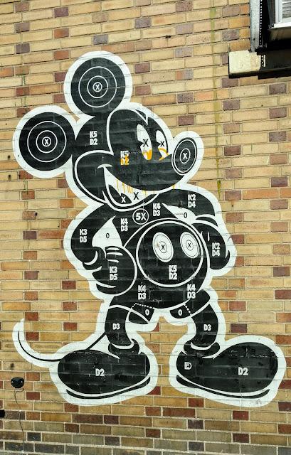 Мішень Мікі. Ділан Егон. Джерсі-Сіті. Нью-Джерсі (Mickey Target, Dylan Egon, Jersey City, NJ)