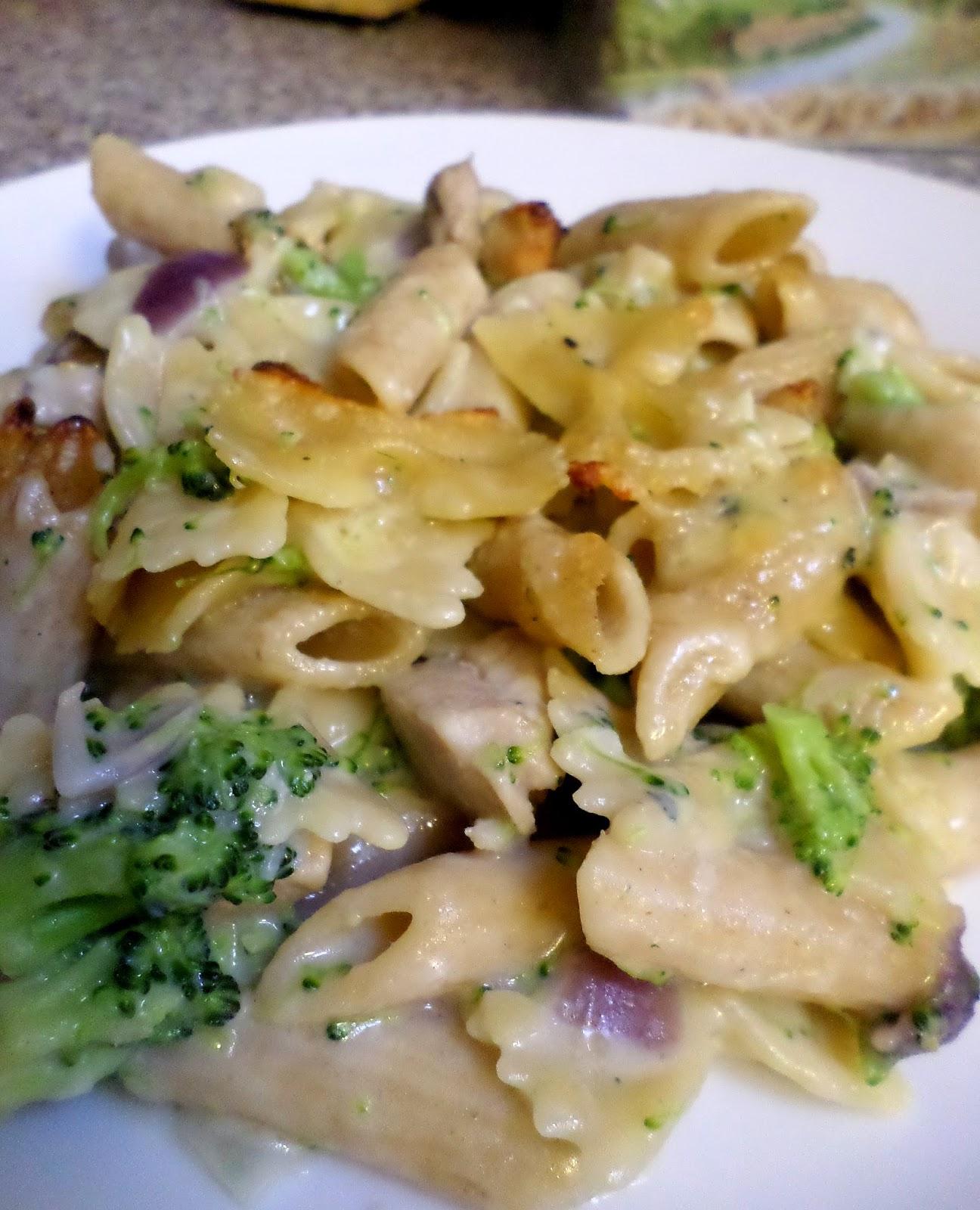 Healthy Chicken Broccoli Pasta Bake