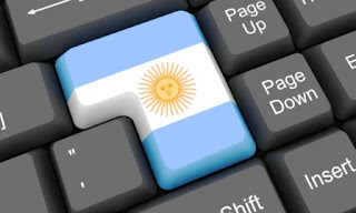 estudio de cuántos argentinos se conectan a la red y desde dispositivos distintos.