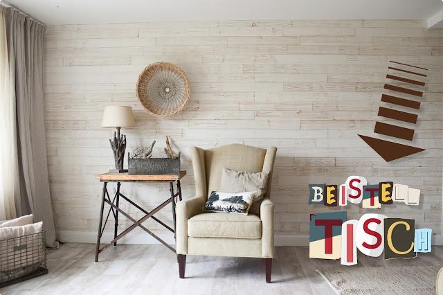 Wohnzimmer Ideen im Landhaus Stil einrichten. Deko Dekoideen natürlich dekorieren. Suche Beistelltisch aus Holz. Naturdeko