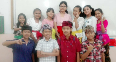 Jaga Taksu Bali dengan Busana Adat Bali
