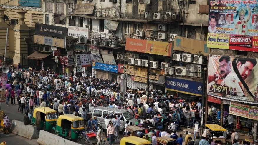 Ấn Độ bất ngờ đổi tiền