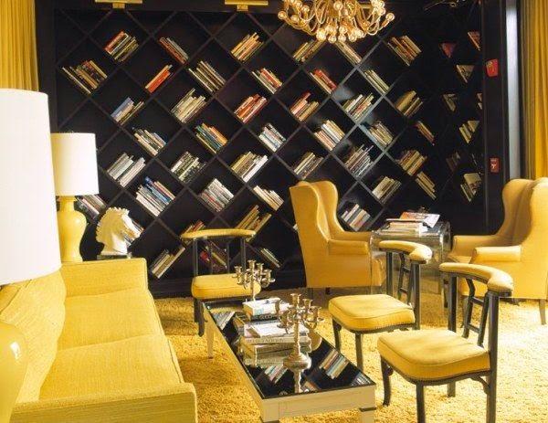 sala con sofá amarillo