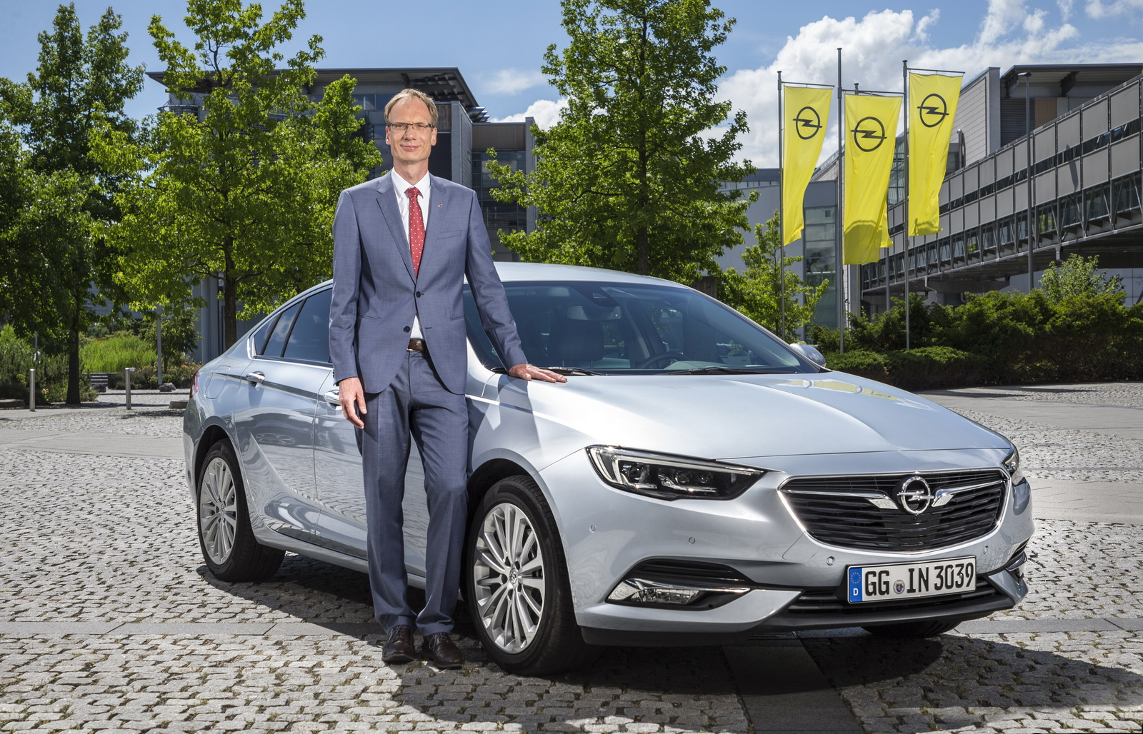 opel s turnaround plan includes evs more markets and a return to profit by 2020 carscoops. Black Bedroom Furniture Sets. Home Design Ideas