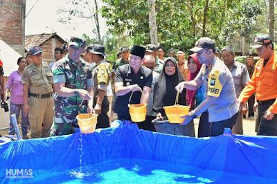 Kompak, Forkopimda Trenggalek Tinjau Distribusi Air Bersih di Wilayah Terdampak Kekeringan