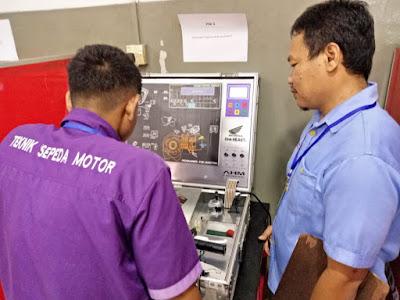 Ujian Praktek Honda Mechanic Skill Contest SMK Kepri