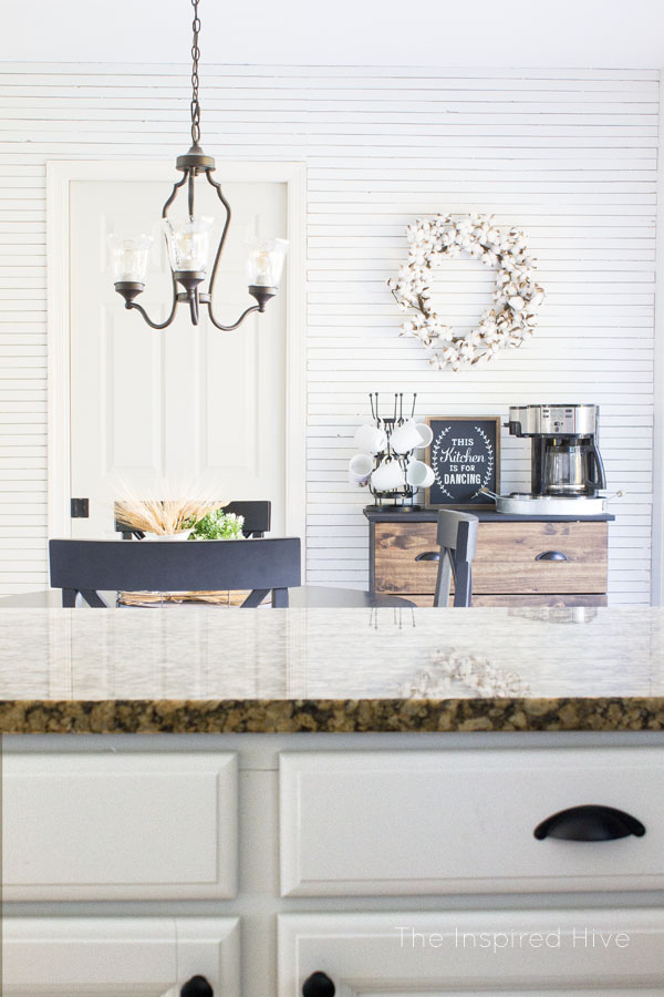 I love this DIY skinnylap wall! Perfect for a farmhouse style kitchen!