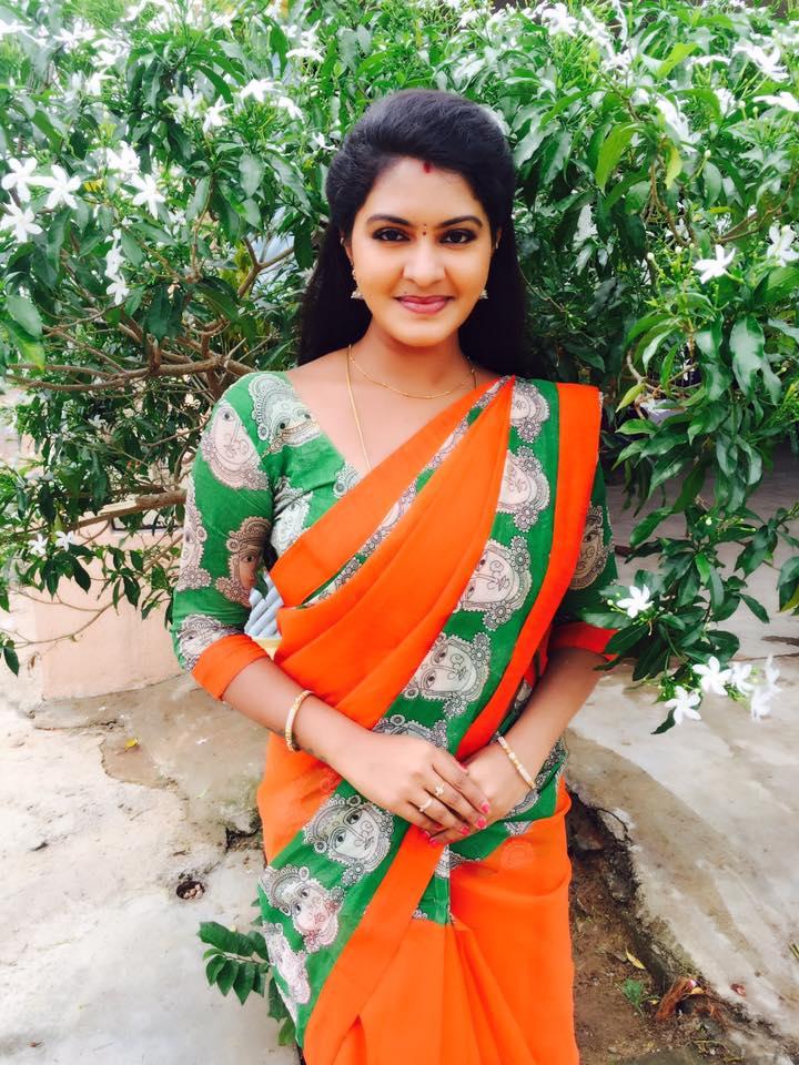 Glamorous Indian Tv Serial Actress Rachitha Mahalakshmi Photos In