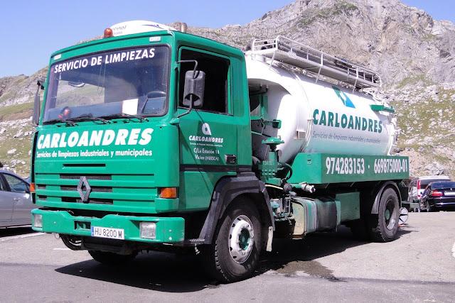 Desatascos y limpiezas con camiones cuba Carlo Andrés