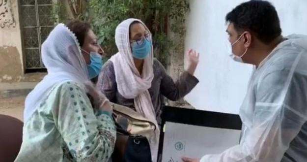 کراچی طیارہ حادثہ ہلاک ہونے والوں کی میتیں حوالے نہ کیے جانے پر ورثا کا غم و غصہ