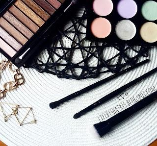 Makeup Revolution brush