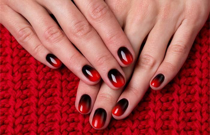الأظافر العميقة الحمراء والسوداء أومبير