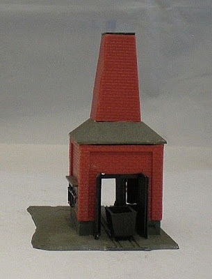 Vintage Plastic N Gauge Building - Red Brick Kiln  (ref B9)