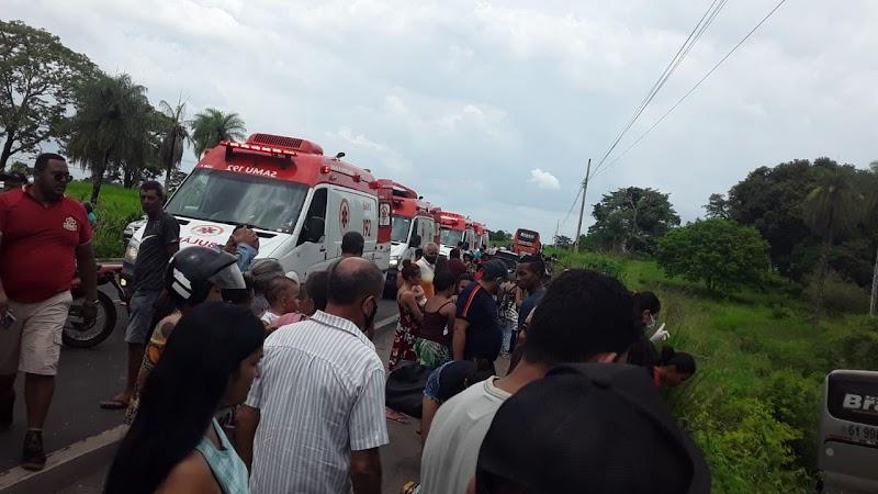 Ônibus da TRANSBRASIL que vinha de Goiás sofre grave acidente na BR-135 em Presidente Dutra