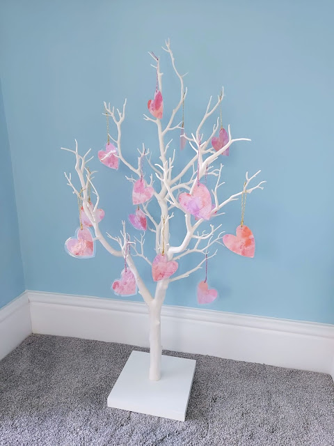 Make easy watercolour hearts with your children as Valentine's crafting.  You can use them as hanging decorations on a Valentine's tree.