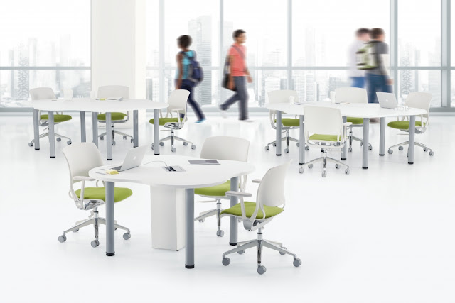 zook 4 person powered table for collaboration