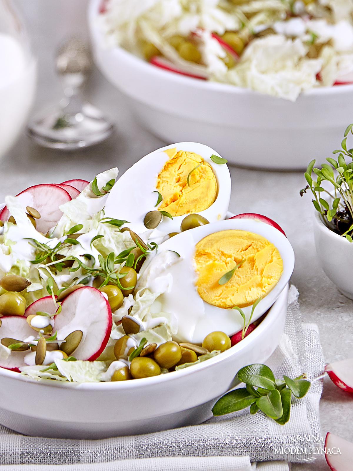 sałatka z jajkiem, sałatka z rzodkiewką, sałatka z groszkiem, sałatka z kapustą pekińską, sałatka ze świeżymi warzywami, sos chrzanowy do sałatki, sałatka na wielkanoc, kraina miodem płynąca