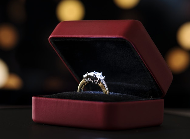 Evlilik teklifi yüzükleri