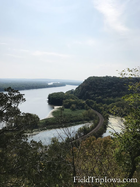Effigy Mounds National Monument Eagle Rock Overlook. Image credit Jennifer Ciha.