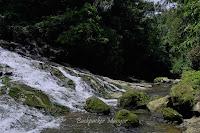 Derasnya Air Terjun Goa Rangreng Bali