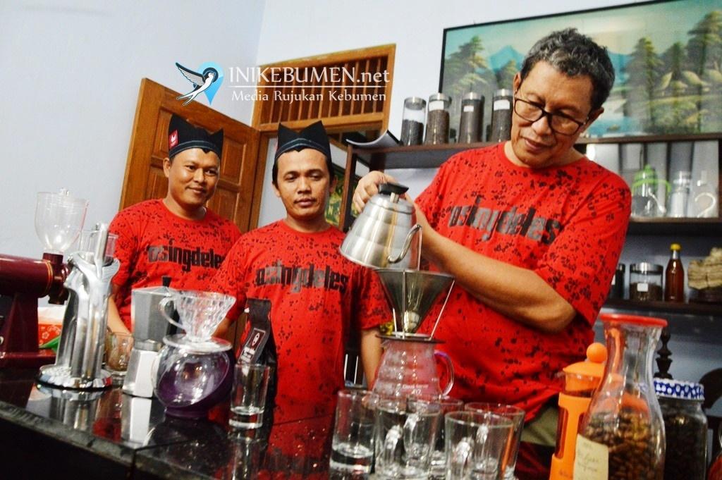 Kedai Kopi Sabar Pejagoan Sajikan Kopi Sehat Tanpa Gula