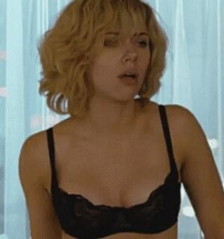 Scarlett Johansson Bikini photoshoot images