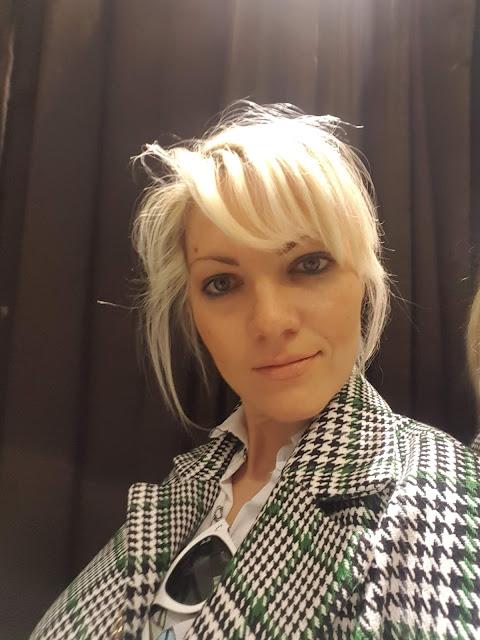 colorblock by felym mariafelicia magno fashion blogger selfie allo specchio come fare selfie allo specchio