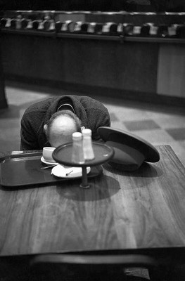 https://adreciclarte.tumblr.com/post/109584179636/brooklyn-ny-1947-by-henri-cartier-bresson