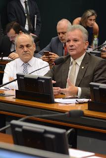 ANDRÉ FIGUEIREDO EXIGIU RESPEITO DO GOVERNO BOLSONARO COM A COMISSÃO DE CIÊNCIA E TECNOLOGIA E TODOS OS SEUS MEMBROS