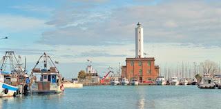 Marina di Ravenna foto del Faro