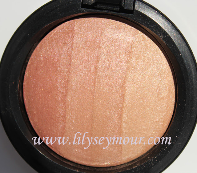 Mac Redhead Mineralize Skin Finish